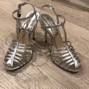 Zara heels in silver size 8 or 39euro, new